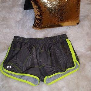 Under Armour L shorts